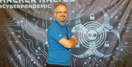 Dr Erdal Ozkaya @ Hacker Halted