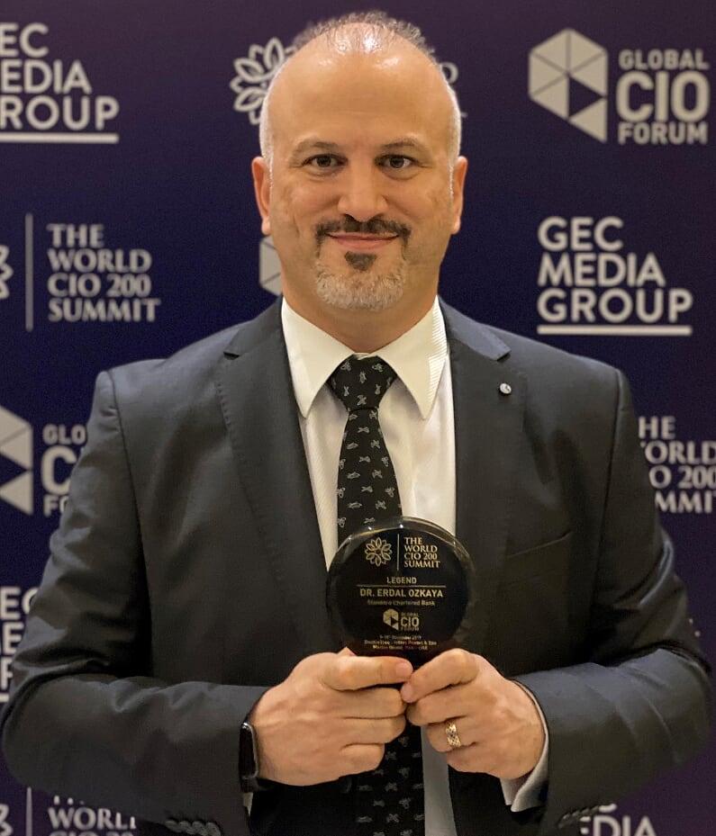 Legend Award by CIO Forum Dr Erdal ozkaya